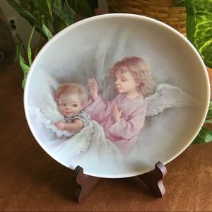 "HOL 1990's Angel Looking Over Baby 8"" Plate"